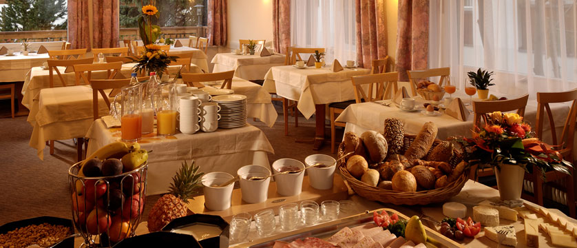 Hotel Park, Saas-Fee, Switzerland - Breakfast buffet.jpg